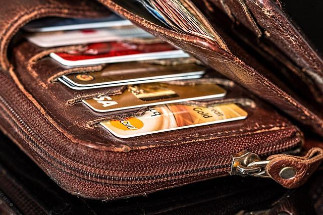 πιστωτικές-κάρτες-με-δωρεάν-συνδρομή-για-πάντα